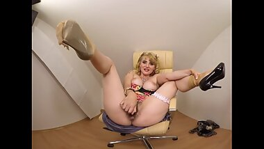 Hairly Sarah Star - Short samples from our VR videos 091-093 - 3DVR-SBS-180